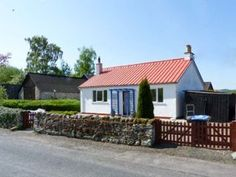 The Bungalow Dogs-welcome Cottage, Scottish Borders, Southern Scotland