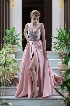 Rochie de seara din tafta cu aplicatii florale de broderie  Pink taffeta evening dress with floral embroidery #fashion #designlovers #designerdress  #eveningdress #eveninggown #rochiedeseara #rochiedeocazie