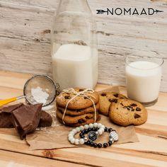 Un petit cadeau de dernière minute? Un magnifique bracelet NOMAAD avec pop interchangeable. Glass Of Milk, Pop, Drinks, Tiny Gifts, Drinking, Popular, Beverages, Pop Music, Drink