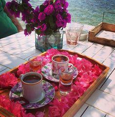 Turkish, coffee - Gümüşlük Good Morning Coffee, Coffee Break, Chocolate Cupcakes, Chocolate Fondue, Espresso Cups, Coffee Cups, Breakfast Set, Stylish Home Decor, Turkish Coffee