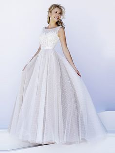 Shop RaeLynn's Boutique for Sherri Hill 2020 prom dresses, pageant dresses, and formal evening gowns for special occasions. Ivory Prom Dresses, Sherri Hill Prom Dresses, Unique Prom Dresses, Dance Dresses, Ball Dresses, Elegant Dresses, Pretty Dresses, Homecoming Dresses, Ball Gowns