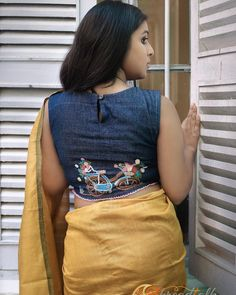Awesome Blouse design - The Handmade Crafts Saree Blouse Neck Designs, Fancy Blouse Designs, Dress Designs, Blouse Designs Catalogue, Stylish Blouse Design, Designer Blouse Patterns, Bollywood, Fashion Blouses, Awesome