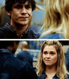 get a couple who does the same expression at the same time