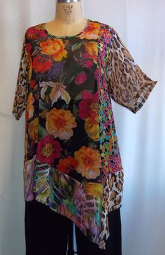 Coco and Juan Plus Size Lagenlook Autumn Flowers Mixed Print  Angel Tunic Top Size 1 (fits 1X,2X)   Bust 49 inches