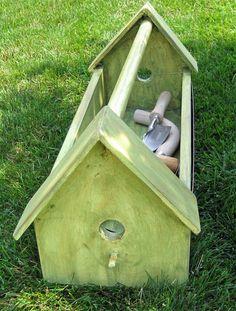 May Dreams Gardens: Handmade Gifts For Gardeners, Idea No. 5 Garden tool caddy