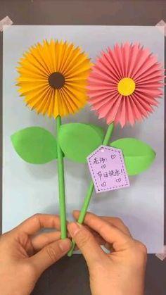 Flower Crafts Kids, Hand Crafts For Kids, Spring Crafts For Kids, Diy Crafts For Gifts, Creative Crafts, Flower Making Crafts, Paper Flowers Craft, Paper Crafts Origami, Paper Crafts For Kids