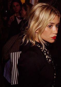 gorgeous side profile Ashley Olsen