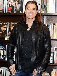 Friends and Family React to Scott Stapp's Meltdown http://www.people.com/article/scott-stapp-friends-and-family-express-concern