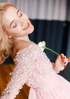 0d1f186474d428f Dress Bar Шкаф | Платья · Платья С Цветами Для Девочек, Свадебные Платья,  Цветы, Мода