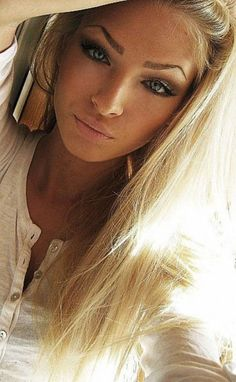 eye brows are awful but love the blonde an tan skin nod eyes