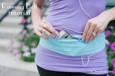 Running Belt DIY - an Easy Sewing Tutorial - Aha! No more slipping arm band on the iPod! Running Belt Tutorial via Erin of the Sewing Rabbit T - Sewing Hacks, Sewing Tutorials, Sewing Projects, Sewing Patterns, Sewing Diy, Free Sewing, Sewing Ideas, Diy Clothing, Sewing Clothes