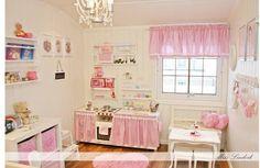 Ummm...little girls dream! Miss Lindvik: Hjemmelaget lekekjøkken av expedit hylle :) Rosa jenterom :)