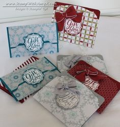 I'm finally finishing up my holiday gift wrapping and I thought that I'd show you a few gift card holders that I made. I found a couple of fabulous tutorials, one byKristin Chowanec and one by Ci...