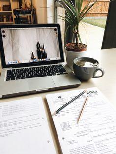 expatesque: Saturday morning studying ☕️
