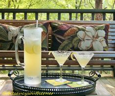 Limoncello Lemonade – {Five Ingredient Friday} | The Saucy Southerner