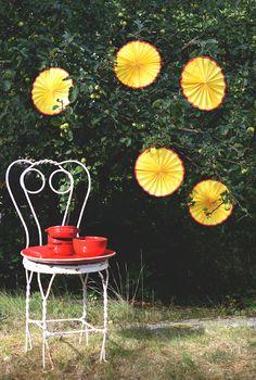 Gör en egen kräftmåne som fin dekoration till kräftskivan_@HelenaLyth Pumpkin, Crafty, Halloween, Creative, Garden, Outdoor, Inspiration, Summer, Courtyards