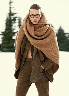 scarf or blanket, either way i want it for this Montreal winter