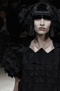 Origami Fashion - structured fabric manipulation with dimensional folded surface patterns; creative sewing techniques for fashion design // Yohji Yamamoto