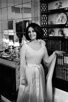 Elizabeth Taylor...1963