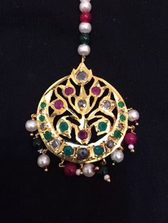 MMade upon order tika Polki Tika with semi precious beads and Pearls gold plated delivered in weeks Tikka Jewelry, Gold Jewelry, Gold Necklace, Indian Wedding Jewelry, Indian Jewelry, Rajputi Jewellery, Semi Precious Beads, Jewelry Design, Jewelry Ideas