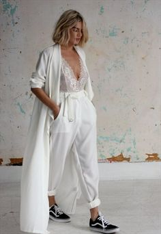 Jan Pant Ivory (someone teach me to wear this but modestly please) Look Fashion, Fashion Outfits, Womens Fashion, Mode Streetwear, Mode Style, Wedding Suits, Street Style Women, Dress To Impress, Style Inspiration