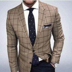 mens fashion for work which looks great. Mens Athletic Fashion, Mens Fashion Suits, Mens Suits, Fashion Outfits, Men's Business Outfits, Business Fashion, Blazer En Tweed, Smart Casual Menswear, Gentlemen Wear
