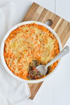 ground beef casserole with apple, leek, paprika and sweet potato Feel Good Food, I Love Food, Healthy Meals For Kids, Good Healthy Recipes, Healthy Diners, Weigt Watchers, Mozarella, Bon Ap, Clean Eating