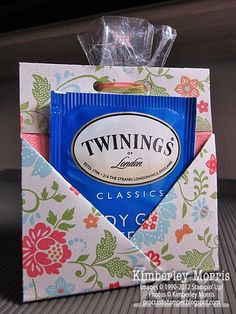 Bag Boxes Trend - procrastistamper: Teabag Cookies Pouch the bag-boxes have been stalking us for longer and with more insistence of what we think, so it's not crazy to say that 2018 will finally be your moment. Tea Party Baby Shower, Bridal Shower, Stampin Up, Tea Party Favors, Adult Party Favors, Tea Bag Favors, Little Presents, Cookie Favors, Favours