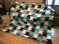 Check out this Dove Tail quilt Linda made with her #APQS Millie! We <3 it!