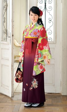 袴 Japanese Costume, Japanese Kimono, Japanese Girl, Japanese Style, Folk Fashion, Ethnic Fashion, Asian Fashion, Traditional Kimono, Traditional Outfits