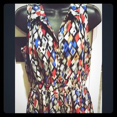 Sweet Rain elastic waist geometric dress Perfect for your art walk, museum visit, date night, or ladies night out. Pet and smoke free home. Please use the offer button when negotiating. Will ship the same or next day. No trades. No modeling. No paypal.  100% polyester do not bleach do not tumble dry do not iron. Sweet Rain Dresses Midi