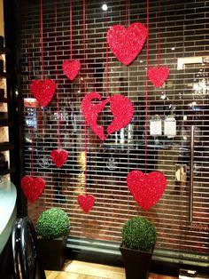 Window Display Retail, Retail Windows, Shop Windows, Roses Valentines Day, Valentine Stuff, Poster Online, Shop Front Design, Shop Plans, Shop Interior Design