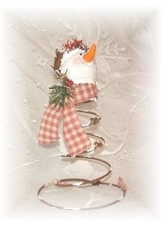 Crafts With Old Bed Springs | New snowman bed springs - Crafts and Decorations Forum - GardenWeb
