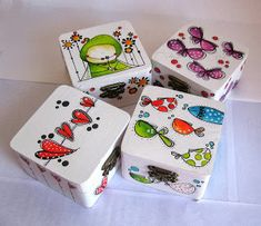 CAPERUCITAZUL Painted Wooden Boxes, Wooden Art, Wood Boxes, Diy And Crafts, Crafts For Kids, Arts And Crafts, Pottery Painting Designs, Diy Y Manualidades, Decoupage Box
