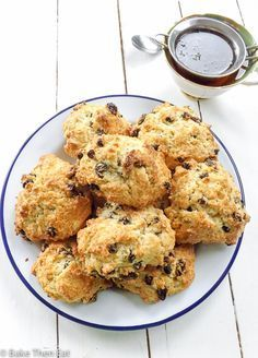 Rock Cakes A British Childhood Classic ***Rock Cakes A British Childhood Classic are a simple sweet buttery treat that goes perfectly with a cup of tea. A great recipe to get the kids involved with! Baking Recipes, Cookie Recipes, Dessert Recipes, Scone Recipes, Dessert Food, British Cake, Rock Cakes, Bun Recipe, Cookies