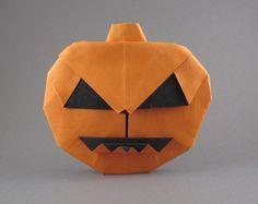 Pumpkin Halloween Origami - http://www.ikuzoorigami.com/pumpkin-halloween-origami/