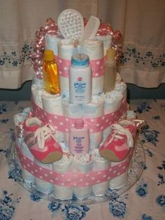Read about baby shower diaper cake, Always be aware of the legal requirements to your location when planning to celebrate baby shower abroad. Baby Showers, Baby Shower Niño, Shower Bebe, Baby Shower Diapers, Baby Shower Cakes, Baby Shower Parties, Baby Shower Gifts, Baby Gifts, Dipper Cakes
