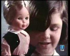 Va ser en l'edat contemporània quan van començar a aparéixer els primers anuncis de televisió. Este en concret és dels anys 70 i és de la tan famosa nina nancy, creada per l'empresa de joguets Famosa.