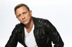 The Daniel Craig Fixation Estilo James Bond, Best Bond, Daniel Craig, British Actors, Bomber Jacket, Leather Jacket, People, Beautiful, Fashion