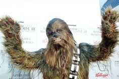 See Chewbacca Turn Badass In a Deleted 'The Force Awakens' Scene
