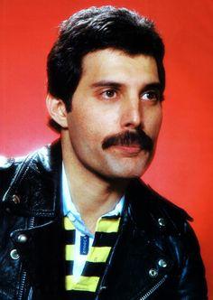 Freddie Mercury!!