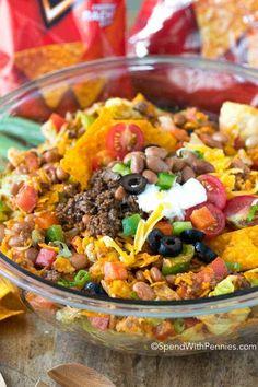 Dorito Taco Salad Frito Corn Salad, Taco Salad Doritos, Taco Salad Recipes, Mexican Food Recipes, Beef Recipes, Dinner Recipes, Cooking Recipes, Healthy Recipes, Cooking Tips