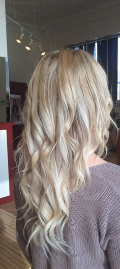 My fall colour, from ombré to light blonde #highlights #hotheads #extensions #puressencesalon