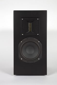 The £875 K2 TR-5 loudspeaker has already been extensively reviewed by other hifi magazines over the years since its introduction, so why is Hifi Pig reviewing them now I hear you ask?  Dominic Marsh will explain.....read more on www.hifipig.com #DigThePig #Highend #hifi #audio #hifinews #hifireviews #loudspeakers #roksan @roksanaudio
