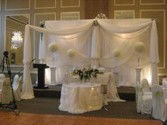 want to pictures of a elegant wedding cake table | Back Drops - Cake Tables-Head Tables