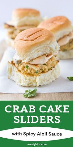 A delicious Crab Cake Sliders with Spicy Aioli Sauce recipe that will please everyone. You can even enjoy them without bread. Crab Recipes, Sauce Recipes, Crockpot Recipes, Chicken Recipes, Crab Cake Sauce, Spicy Aioli, Aoili Recipe, Aioli Sauce, Savarin