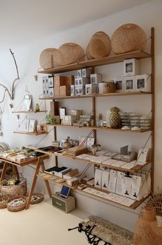 LOVE the open shelving wall.perfect amount of room Boutique Interior, Shop Interior Design, Gift Shop Interiors, Store Interiors, Gift Shop Displays, Retail Displays, Window Displays, Gift Shop Decor, Retail Store Design
