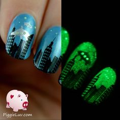 The aliens are coming! by PiggieLuv from Nail Art Gallery