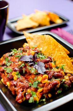 Vegetáriánus chili con carne Vegan Vegetarian, Vegan Recipes, Curry, Tofu, Healthy Foods, Ethnic Recipes, Drink, Chili Con Carne, Red Peppers