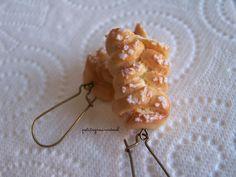 Boucles d'Oreilles Petite Brioche Tressée au Sucre - Miniature Gourmande - Fimo. : Boucles d'oreille par petitsgrainsdecel